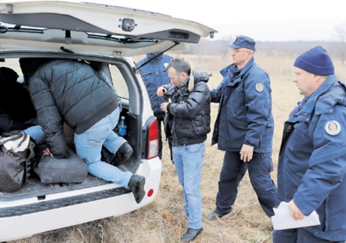Задержание нелегальных беженцев из Косово